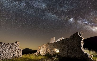"How to photograph Milky Way with ""Natural Look"" workflow"
