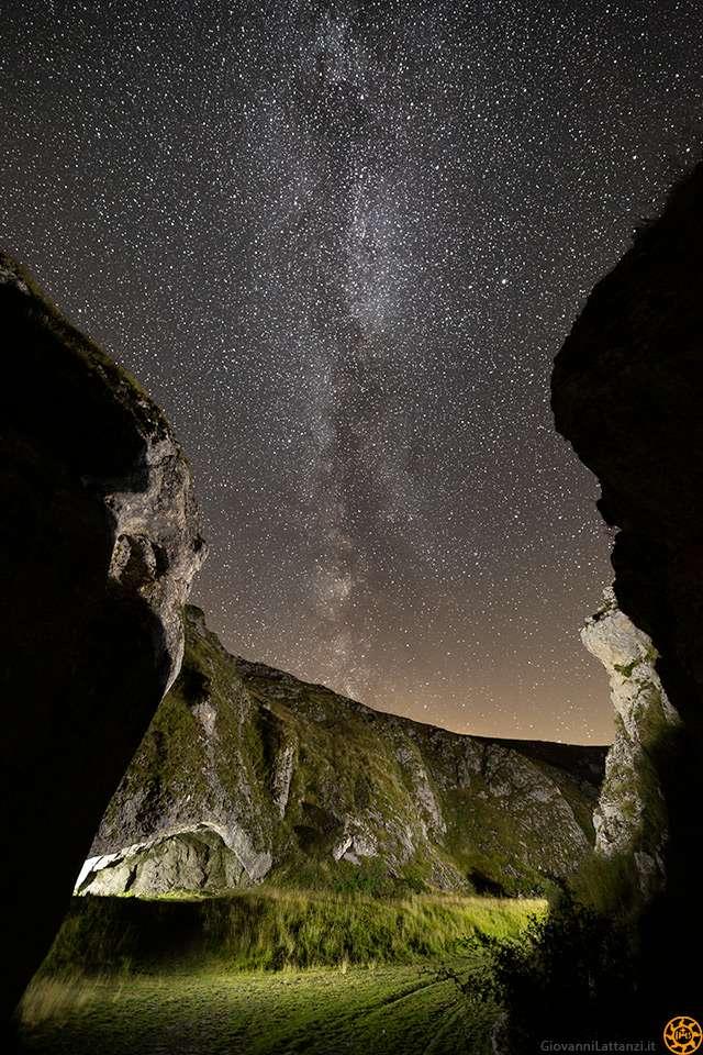 Canyon dello Scoppaturo con Via Lattea a light painting
